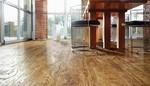 Podlahy, které vyplní vaše požadavky? Objevte přednosti vinylových podlah předních světových výrobců